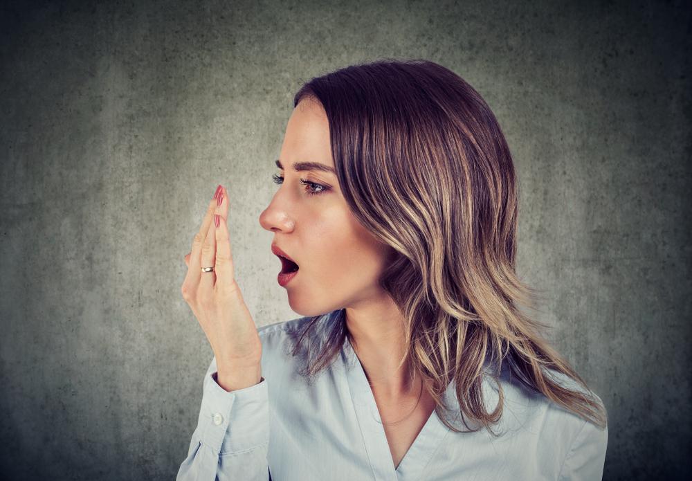 reggel állandó szag a szájból parazita alkotó négyszeres ciszták
