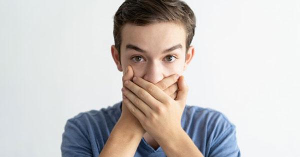 a rossz lehelet oka a gyomor miatt