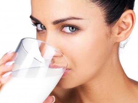 milyen ételek szüntetik meg a lehelet szagát